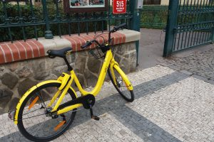 Sdílené kolo na pražské ulici, ilustrační foto. Autor: Zdopravy/Jan Šindelář
