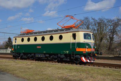 Lokomotiva 140.042 po rekonstrukci s retro nátěrem. Foto: IDS Cargo
