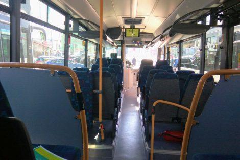 Interiér Crossway LE pro příměstské linky. Foto: Jan Sůra