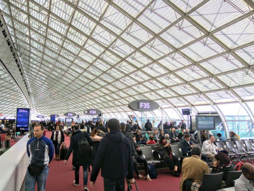 Terminál 2F pařížského letiště CDG. Foto: Jan Sůra