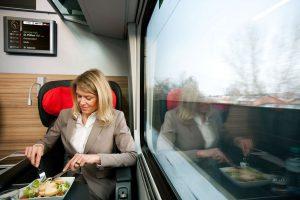 Občerstvení v railjetech. Foto: ÖBB