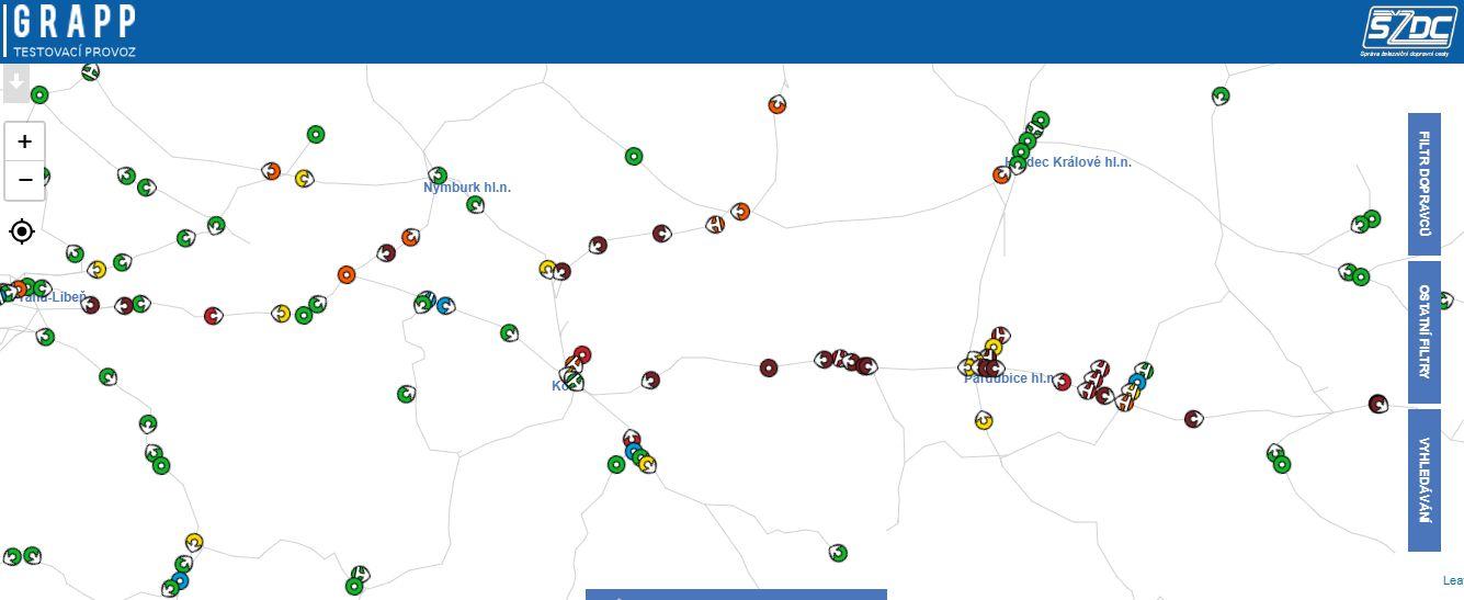 Provoz na koridoru ve čtvrtek 29.3.kolem osmé hodiny večerní. Většina vlaků (červeně) má velká zpoždění. Foto: SŽDC