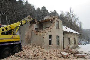 Demolice nádražní budovy v Nové Vsi nad Nisou. Foto: Jindřich Berounský