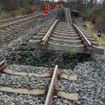 Sesuv tratě 140 u Dalovic. Autor: SŽDC
