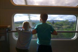 Krajinou Jižní Francie na palubě vlaku Lyon - Barcelona v bistrovoze. Foto: Jan Sůra
