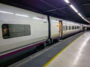 Vlak z Lyonu v podzemní stanici Barcelona Sants. Foto: Jan Sůra