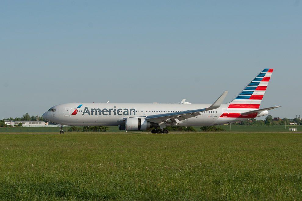 První přílet American Airlines AA52 Filadelfia - Praha, foto: Zdopravy.cz/Josef Petrák