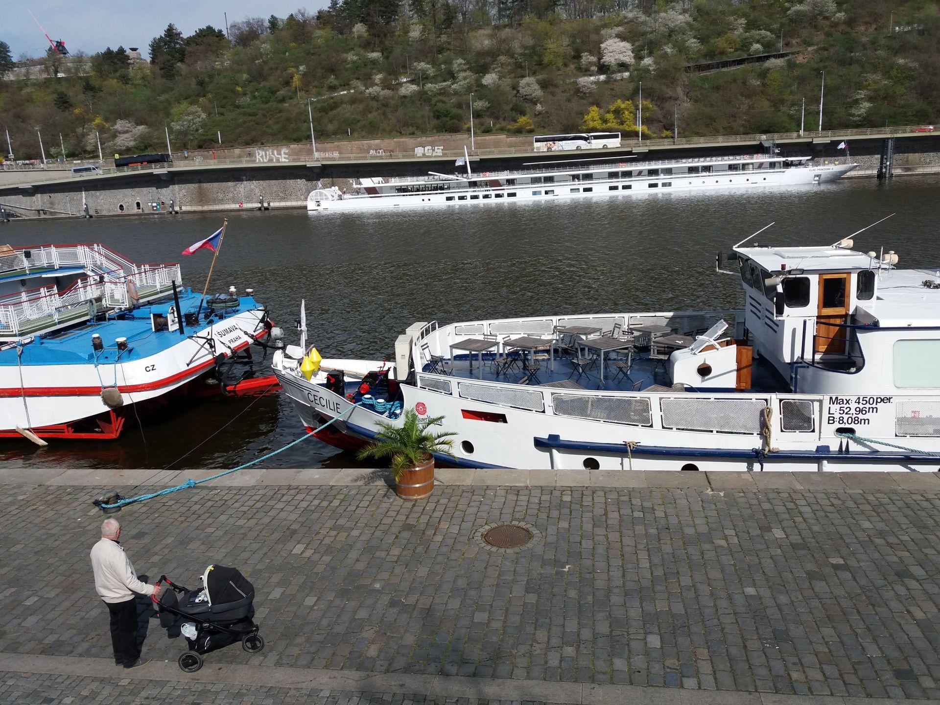 Hotelová loď Elbe Princesse II v Praze. Autor: Zdopravy.cz/Jan Šindelář