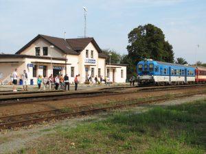 Železniční stanice Bučovice na trati 340. Foto: Radek Linner / Wikimedia Commons