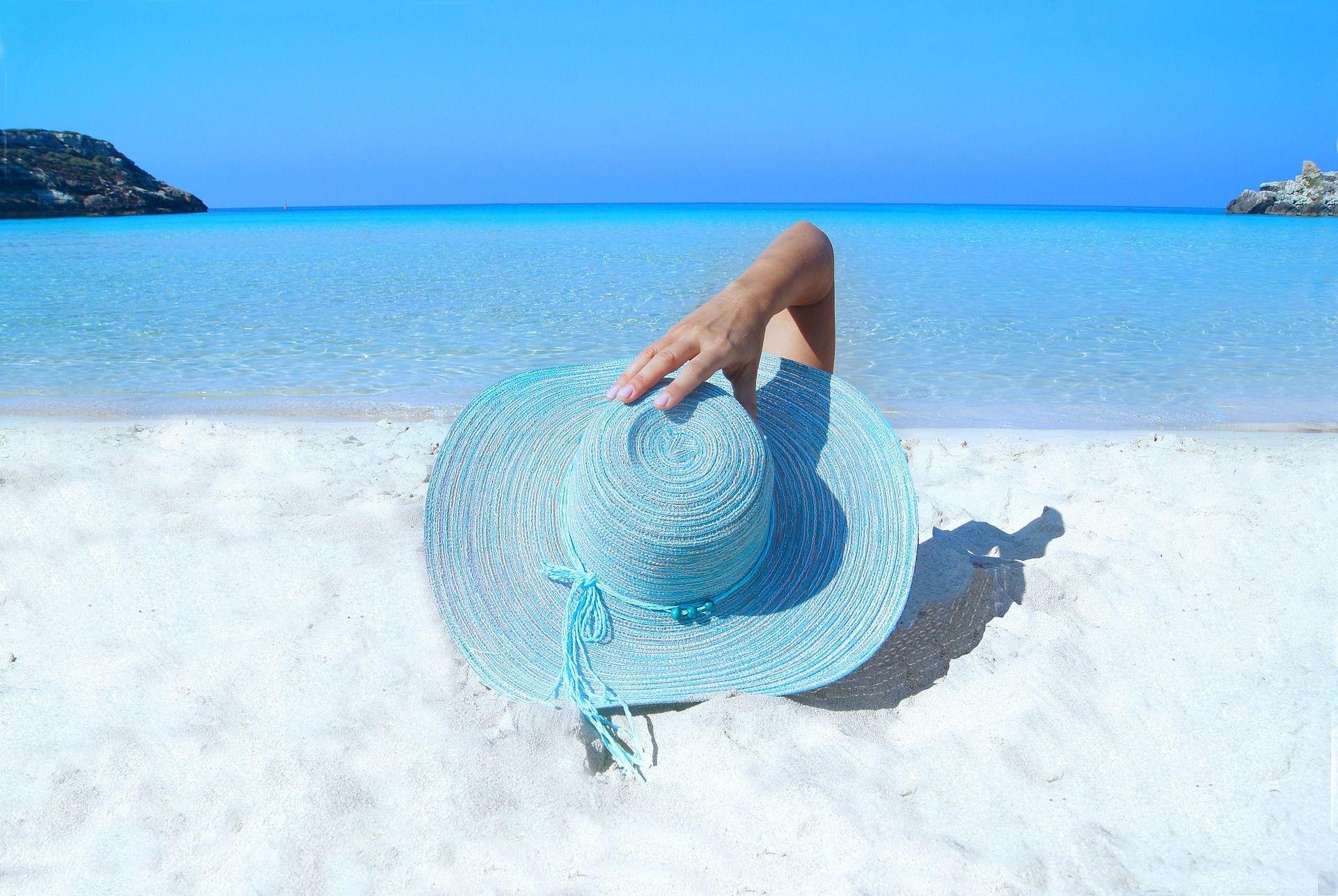 Pláž. Ilustrační foto: Pixabay.com/skeeze