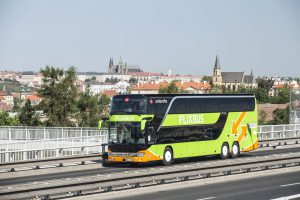 Autobus v barvách FlixBusu v Praze. Autor: FlixBus