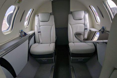 Interiér letadla HA-140 HondaJet, letadlo pojme až šest cestujících. Foto: Jan Sůra