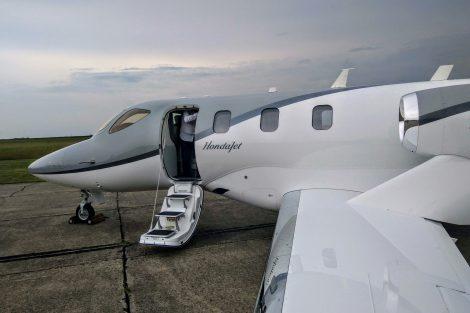 S doletem 1223 námořních mil při čtyřech cestujících umožňuje HondaJet lety z Česka po většině Evropy. Foto: Jan Sůra