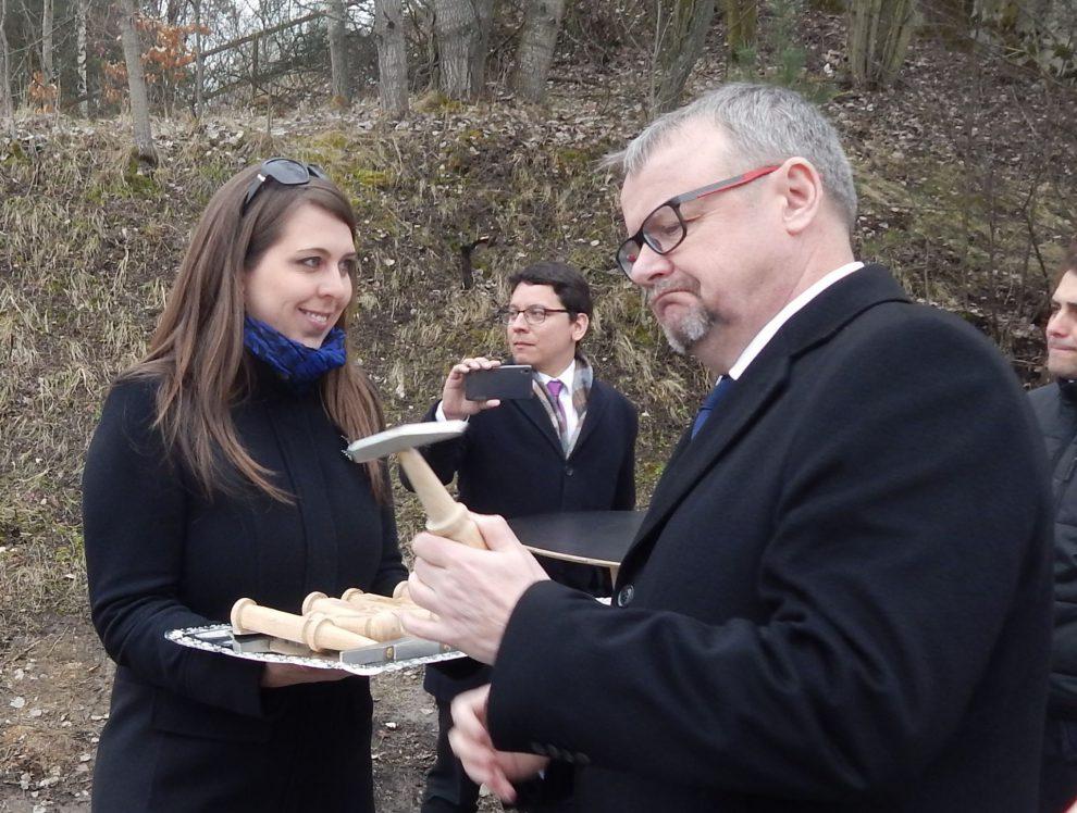 Dan Ťok se označuje za sběratele kladívek. Po něm má přijít střihač pásek. Autor: Zdopravy.cz/Jan Šindelář