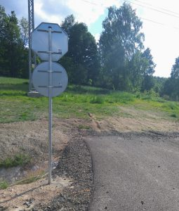 Na silnici bude dostatek značek. I pro vozidla na téměř neexistujících cestách. Foto: Jan Sůra