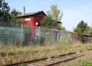 Stanice Cronheim na trati Gunzenhausen - Wassertrüdingen. Autor: By Manfred E. Fritsche - mef-presseservice, CC BY-SA 2.0 de, https://commons.wikimedia.org/w/index.php?curid=1344106