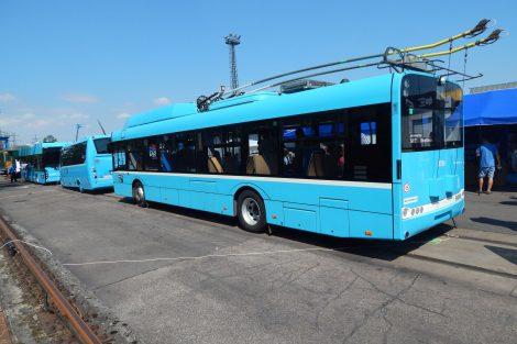 Expozice Dopravního podniku Ostrava (DPO). Parciální trolejbus Škoda/Solaris. Autor: Zdopravy.cz/Jan Šindelář
