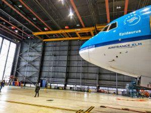 Boeing 777 společnosti KLM v hangáru na letišti Schiphol v Amsterdamu. Foto: Jan Sůra