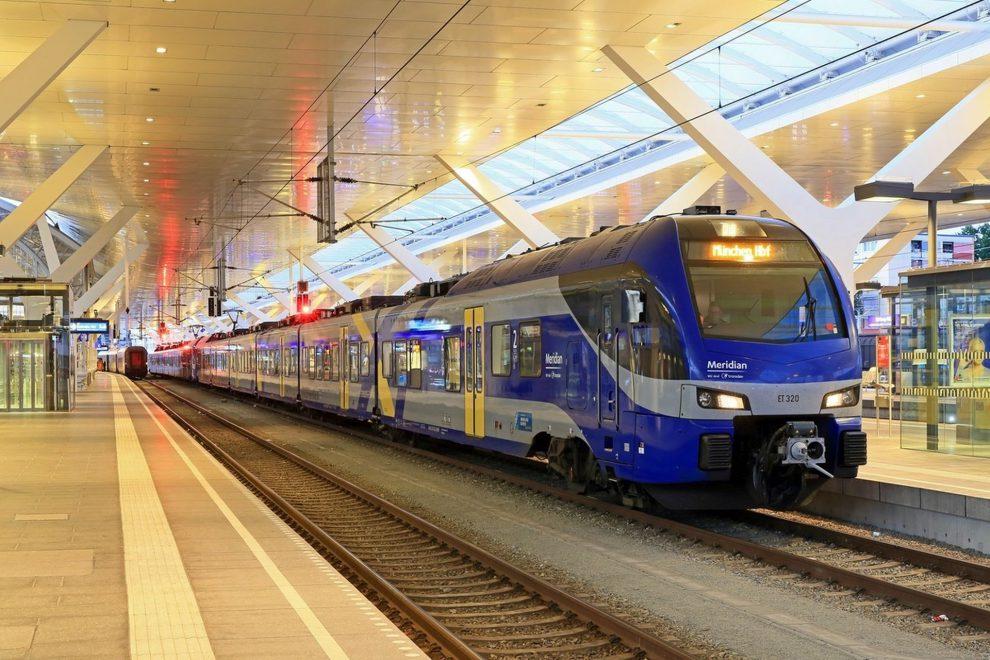 Transdev provozuje vlaky například v Bavorsku. Na snímku jednotka Stadler Flirt 3 na nádraží v Salzburku u přeshraničního spoje z Mnichova. Foto: Transdev