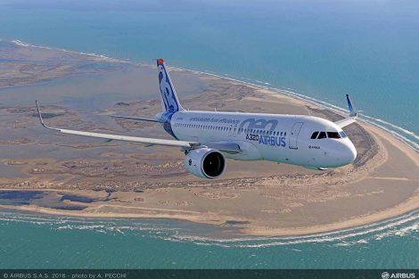 Jedna z největších objednávek aerosalonu přišla zatím od neznámé leasingové firmy. Airbus oznámil podpis dohody o porozumění s nejmenovanou firmou na koupi 80 A320neo. Foto: Airbus
