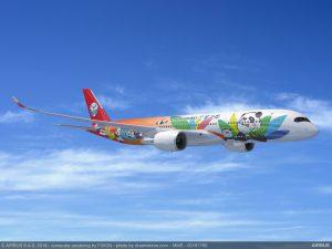 Airbus podepsal ´ve Velké Británii smlovuu na dodávku dalších deseti airbusů A350 pro čínské aerolinky Sichuan Airlines. Letadla by se mohla objevit i v Praze, kam dopravce také létá. Foto: Airbus.