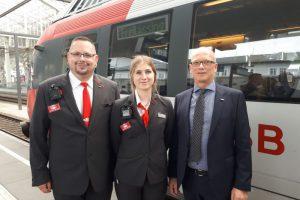 Rakouští průvodčí vybavení kamerami. Pramen: ÖBB/Mosser