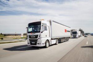 První jízda samořiditelných kamionů v konvoji na dálnici A9. Foto: MAN
