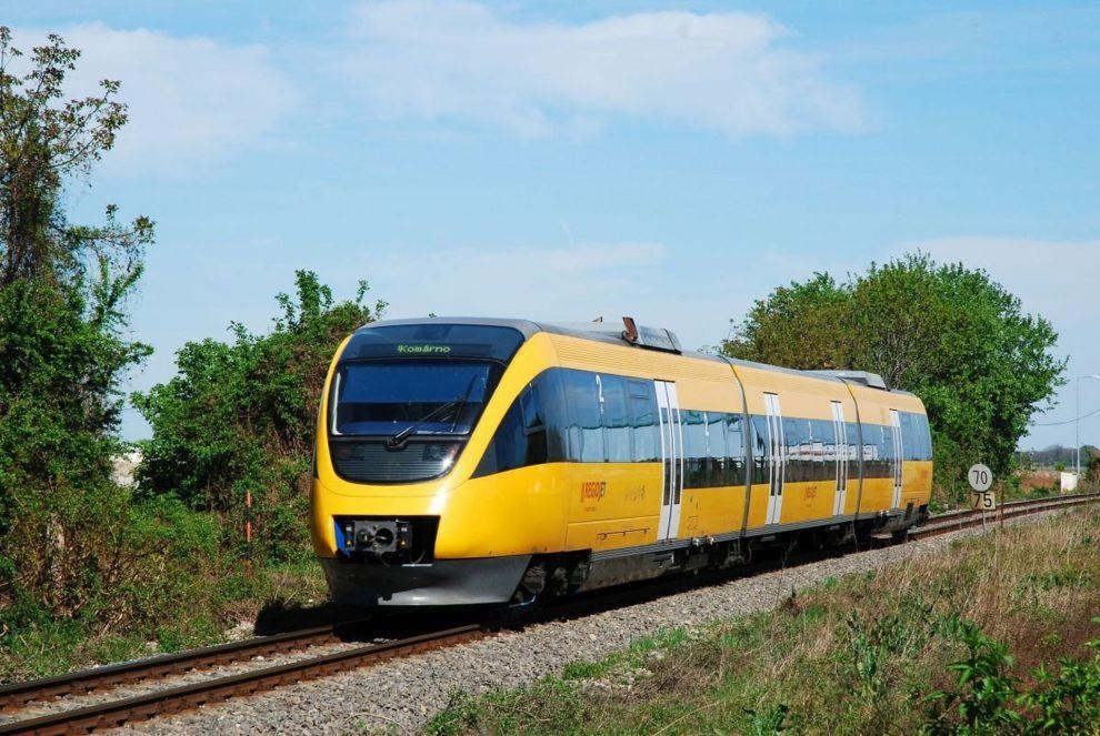 RegioJet na trati z Bratislavy do Komárna jezdí například s vlaky Bombardier Talent. Foto: RegioJet