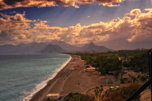 Pláž Altinkum u Antalye. Foto: Pixabay