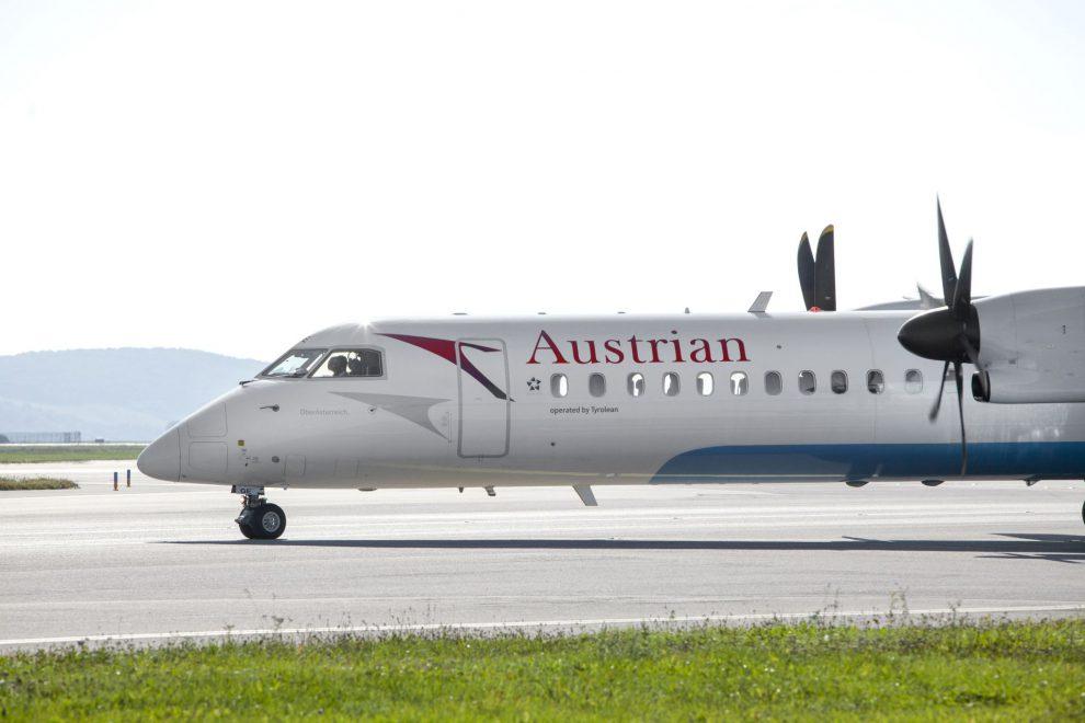 Turbovrtulové letadlo Dash 8 - Q400, které Austrian nasazují mezi Lincem a Vídní. Foto: Austrian Airlines