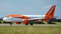 Airbus A319 společnosti easyJet v Praze. Foto: Letiště Praha