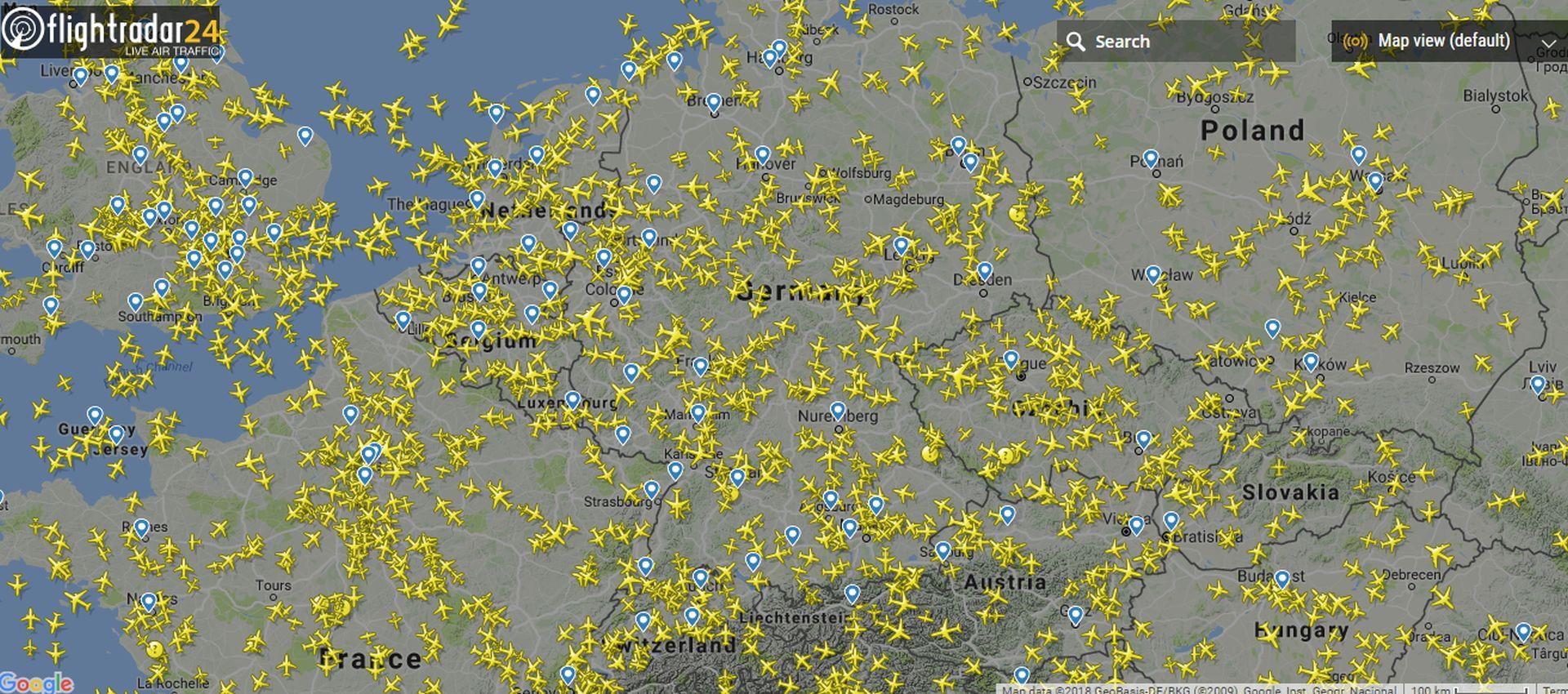 Letecký provoz nad částí Evropy podle služby Flightradar24. Foto: Flightradar24.com