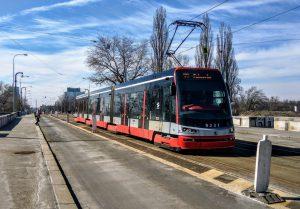 Tramvaj 15T na Libeňském mostě. Foto: Jan Sůra