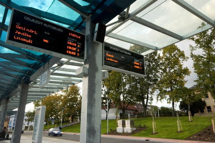 Mezi produkty Starmonu patří kromě železniční zabezpečovací techniky také informační displeje pro veřejnou dopravu. Foto: Starmon