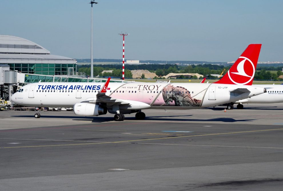 Airbus A321 Turkish Airlines na Ruzyni. Foto: Letiště Praha