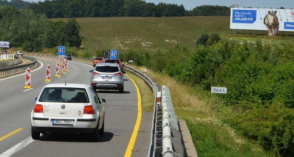 Billboard v ochranném pásmu dálnice. Foto: Ministerstvo dopravy