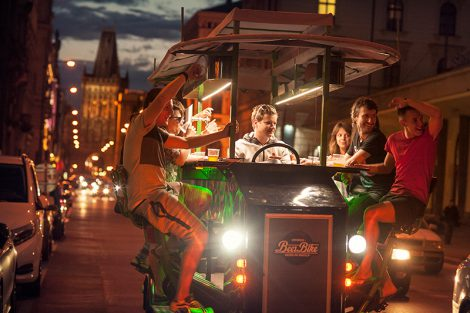 Pivní kolo. Foto: Prague Beer Bike