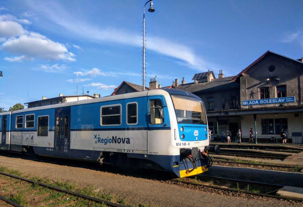 Regionova ve stanici Mladá Boleslav hlavní nádraží. Foto: Jan Sůra