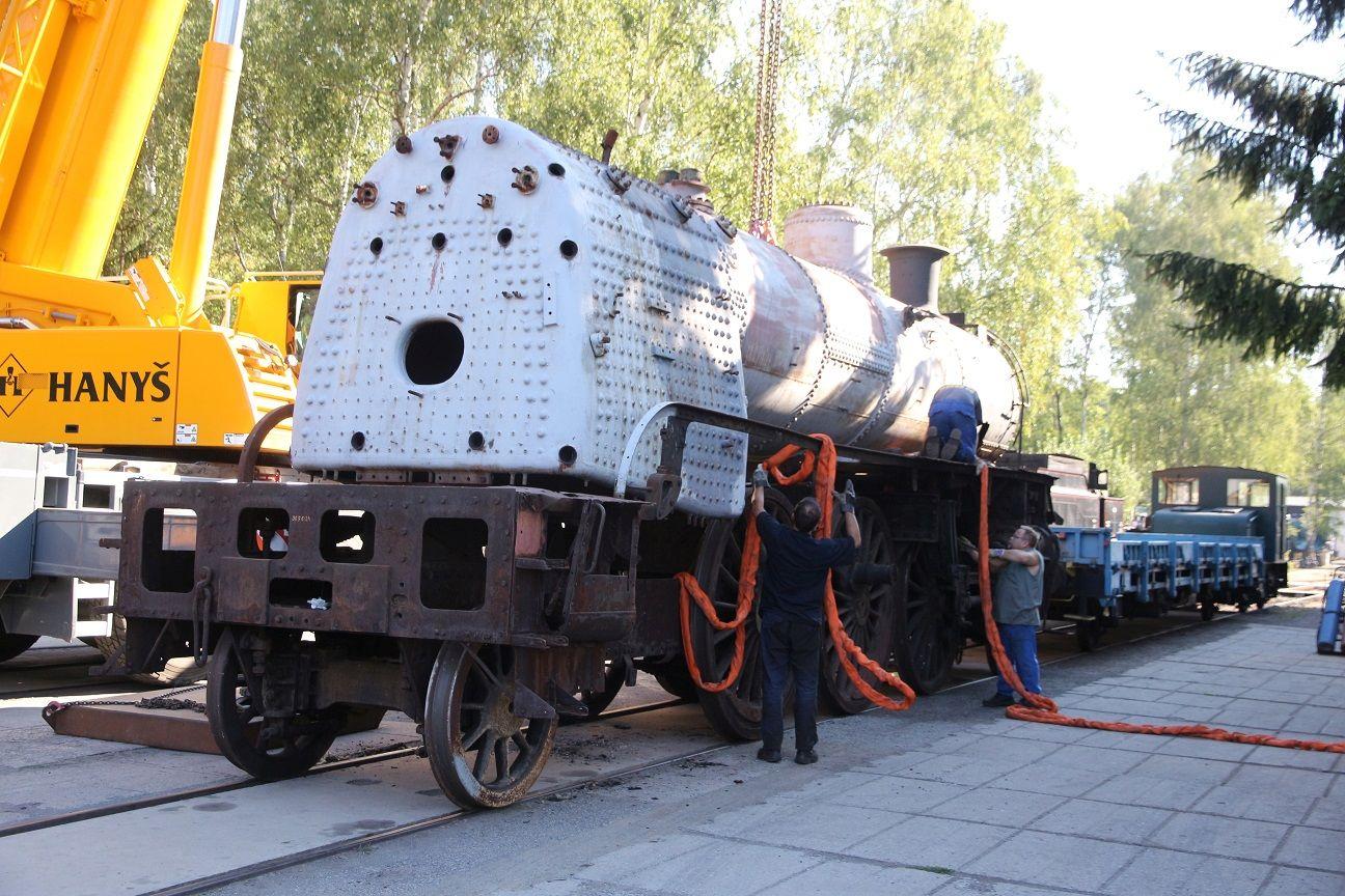 Lokomotiva 365.024 míří do opravy. Autor: České dráhy