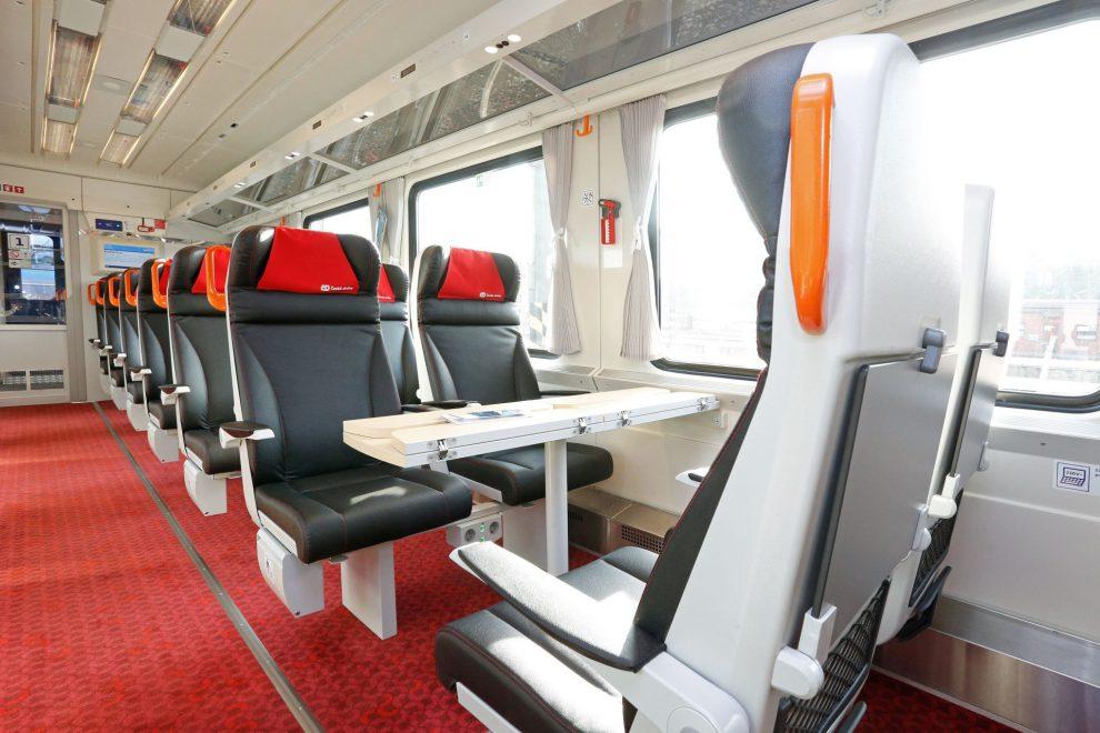 Interiér vozu 1. třídy (Ampz). Foto: České dráhy