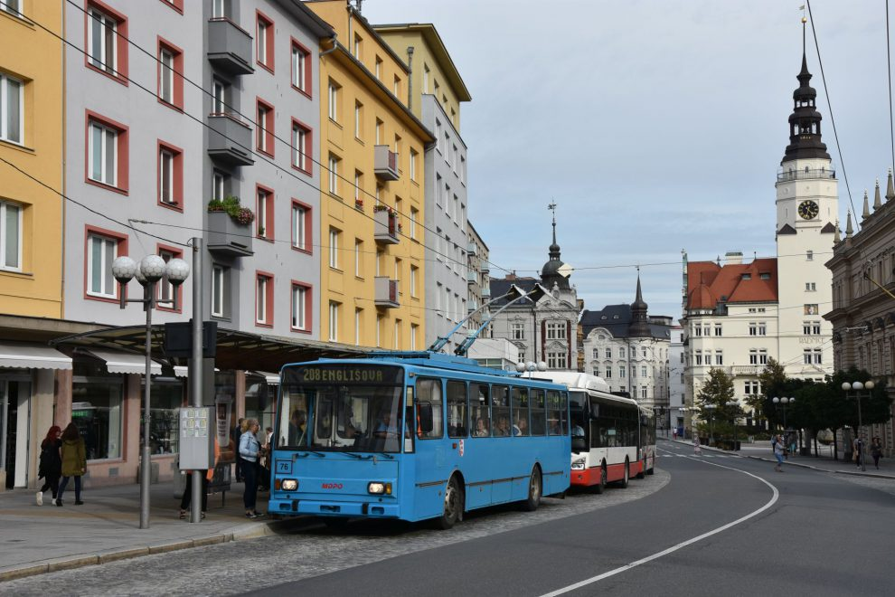 Trolejbus Škoda 14 Tr, Opava. Pramen: MDPO