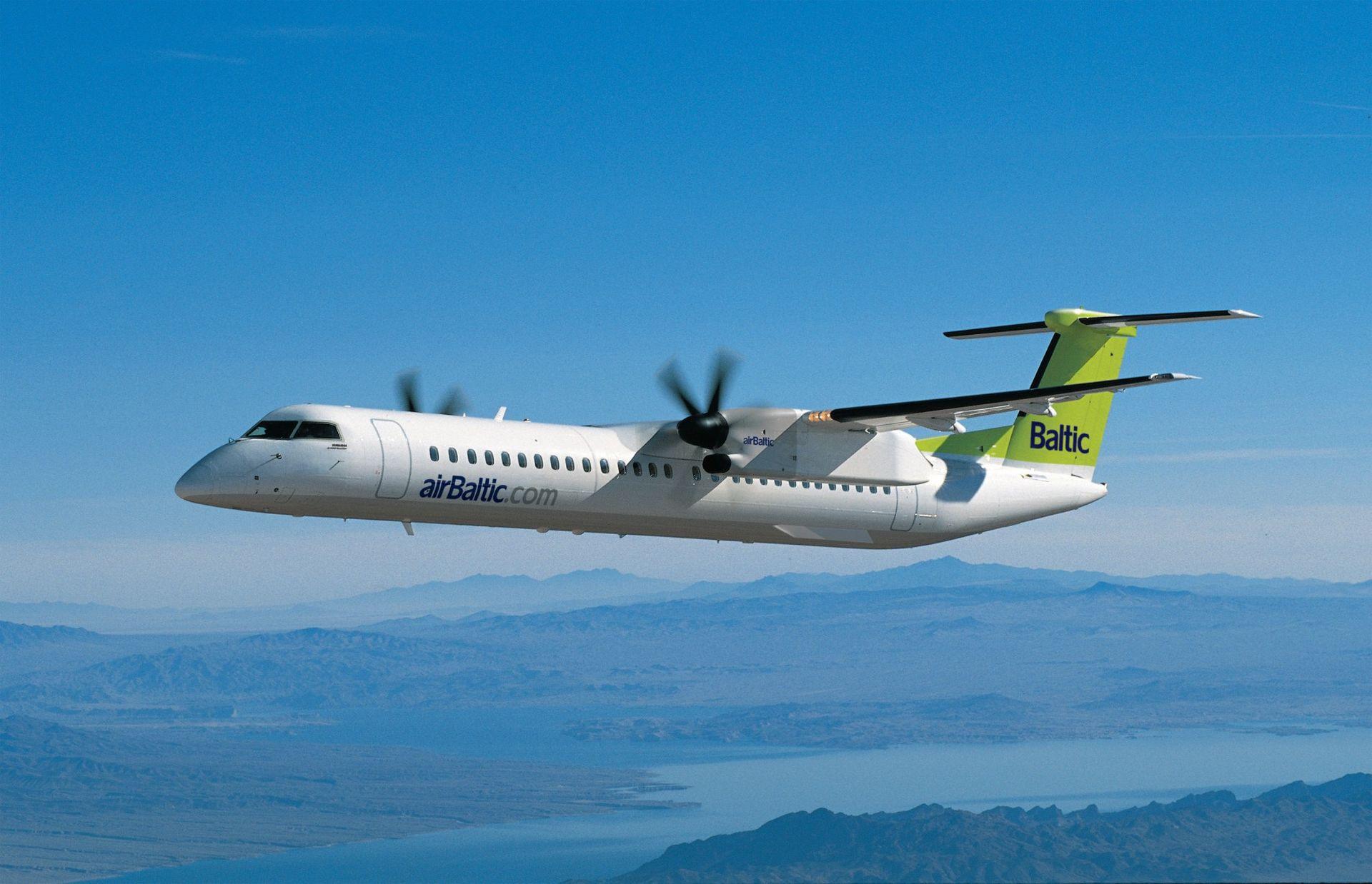 airBaltic létá mezi Rigou a Prahou s Bombardierem Dash 8 Q400. Foto: airBaltic