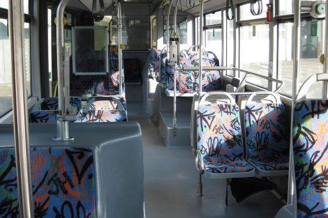 Interiér autobusu Mercedes Citaro, který koupil Dopravní podnik měst Liberce a Jablonce v německém Schwerinu. Foto: DPMLJ