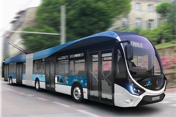 Nový trolejbus je společným projektem Iveca a Škody Electric. Umožní jet až 15 kilometrů mimo troleje. Foto: Škoda Electric