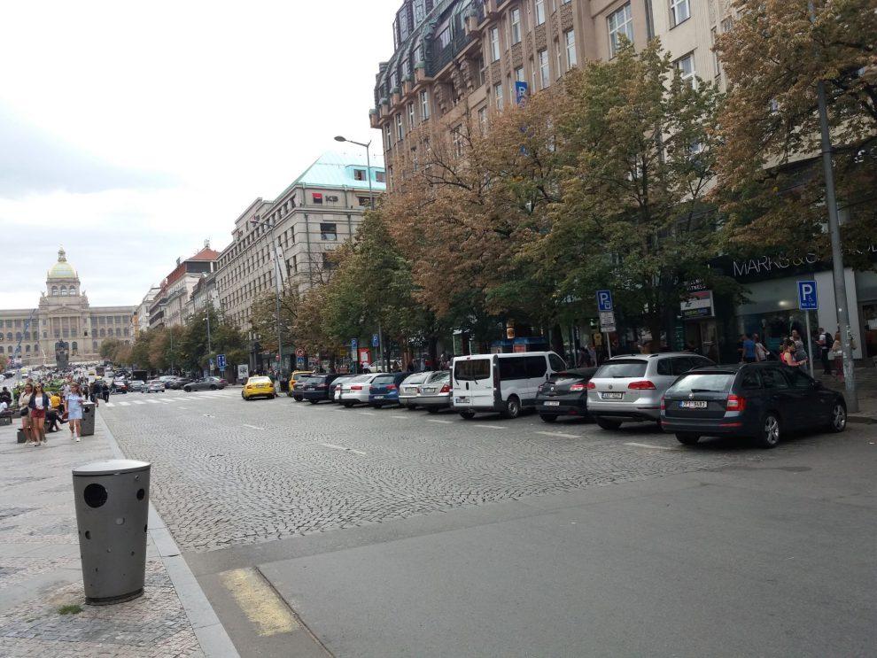 Parkoviště na Václavském náměstí v Praze. Autor: Zdopravy.cz/Jan Šindelář