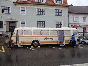 Pojízdná prodejna Madeta v autobusu Škoda 706 RTO. Autor: Zdopravy.cz/Jan Šindelář