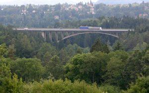 Most na D1 přes údolí Šmejkalky. Pramen: www.ceskedalnice.cz