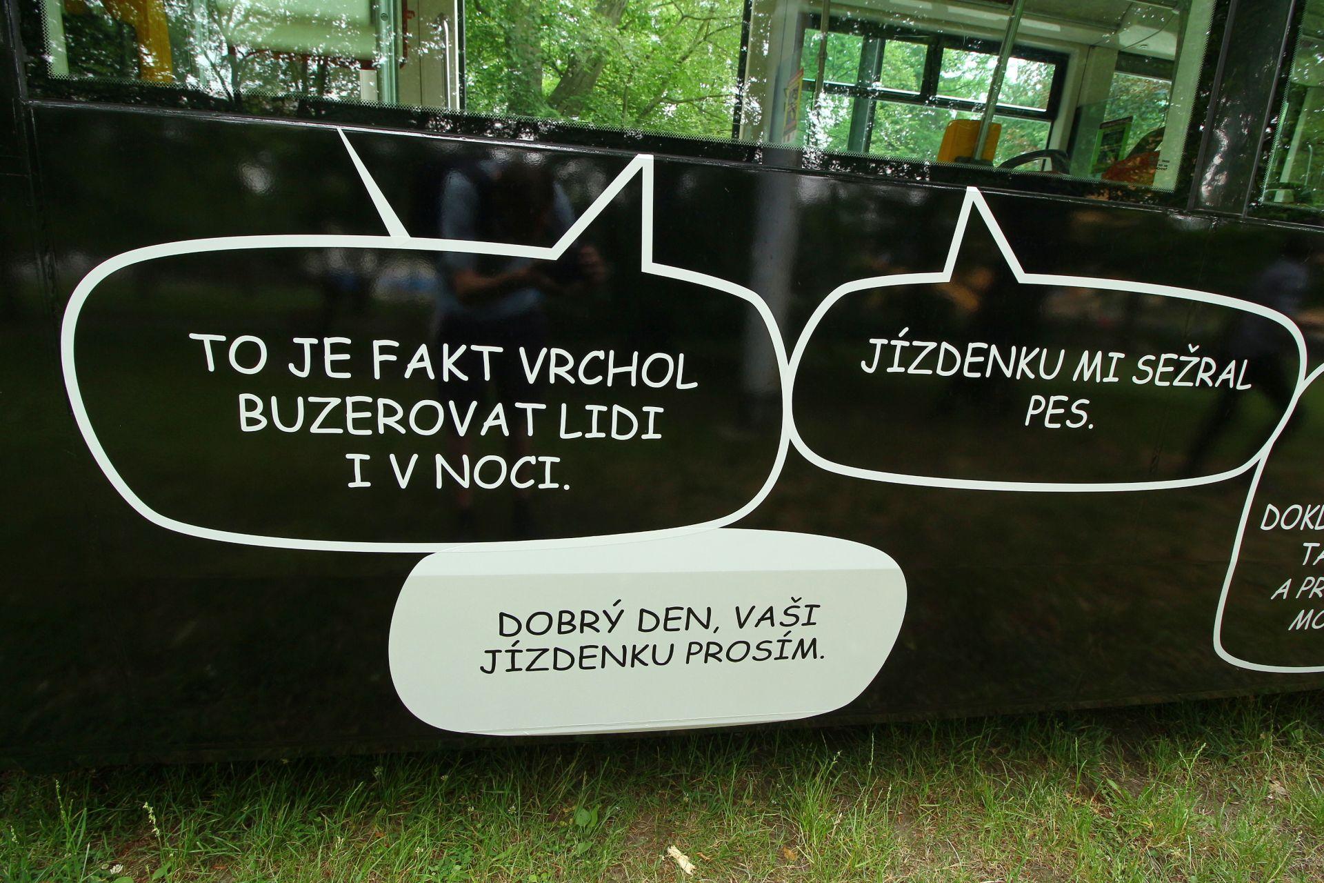 Tramvaj vyzdobená kampaní proti jízdám na černo. Autor: ROPID