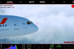 Natáčení dreamlineru z letadla. Foto: Youtube.com
