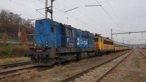Lokomotiva ČD Cargo (kocour) vypomáhá RegioJetu. Autor: Jan Paroubek